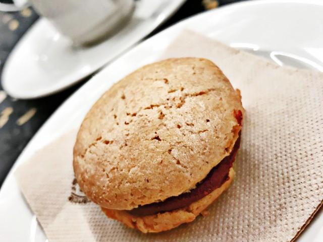 LES VAILLANT Mignardise - Macaron Ganache Chocolat Noir