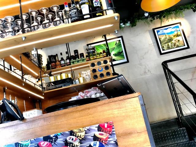 LES VAILLANT Réception Bar et vers nos Mezzanines